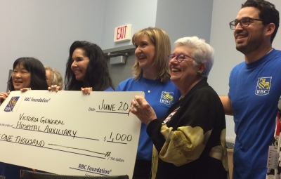 Royal Bank donates time and money